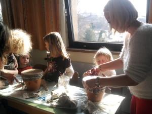 """Elternmitmachstunde: """"Bau einer Blumentopftrommel"""""""